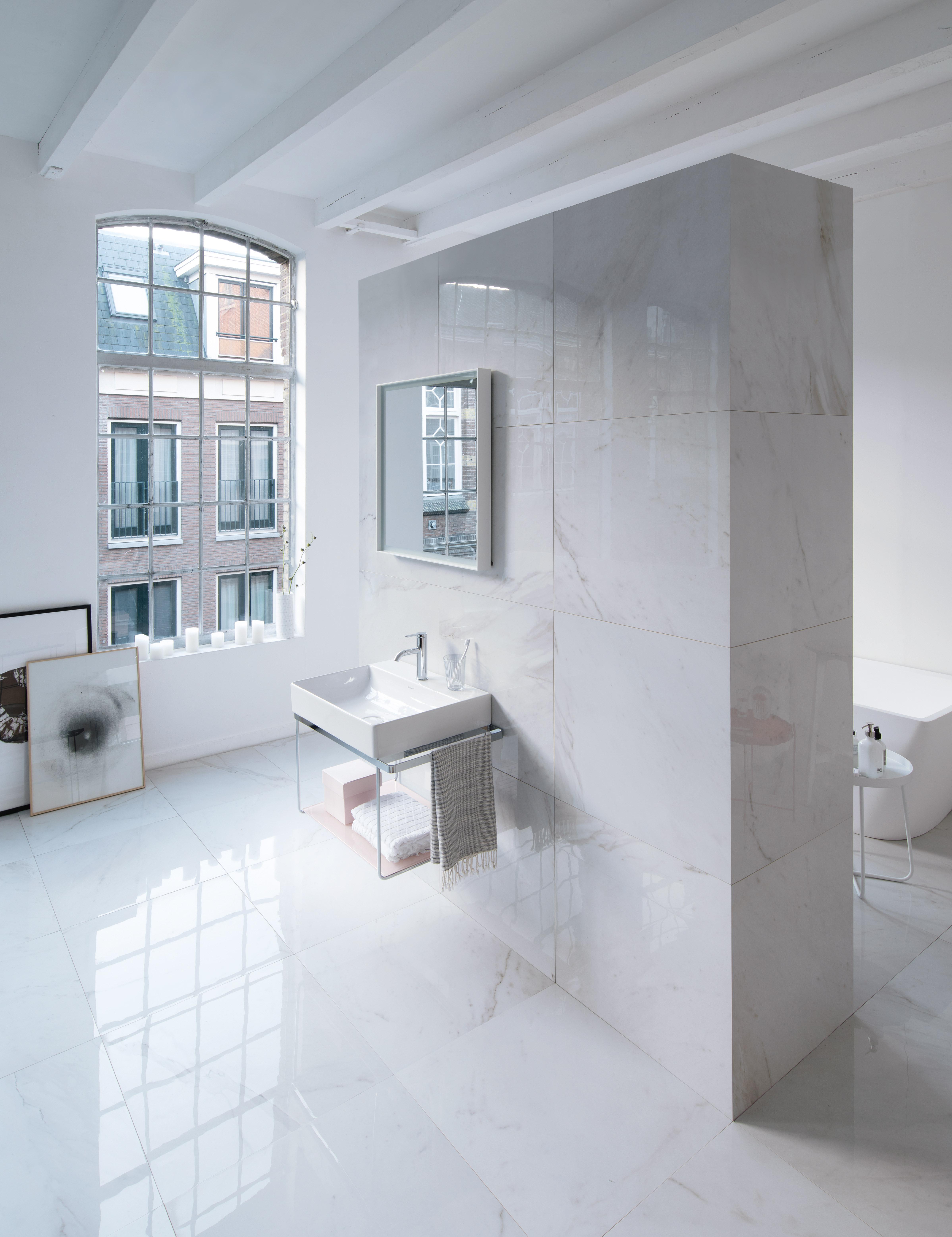 Duravit durasquare meubles de salle de bains baignoires for Baignoire metallique